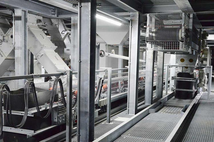 Steinag Rozloch AG, Stansstad, Veredelungsanlage, Fahrbänder, Materialrutschen