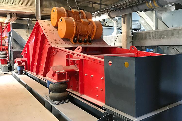 IFF AG Kies & Beton, Niederbipp, Rundseite, Luftfedersystem